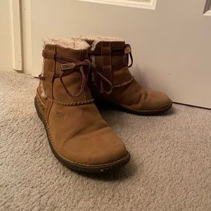 Women's UGG Caspia Lace Boots, Brown Size 8